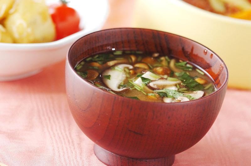 シイタケのみそ汁の作り方の手順