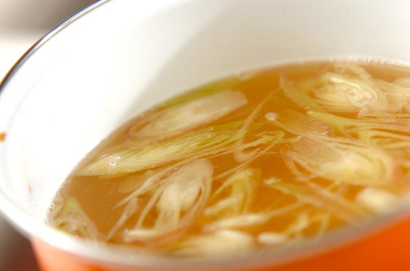 ミョウガと梅干しのお吸い物の作り方の手順3
