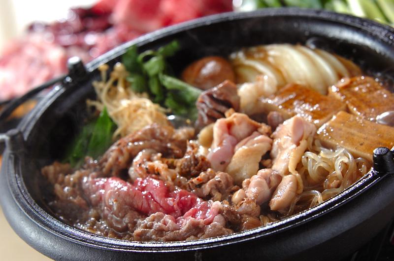 牛肉と鶏肉のすき焼き