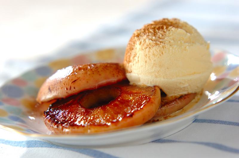香ばしい!フライパンで気軽に焼きリンゴ
