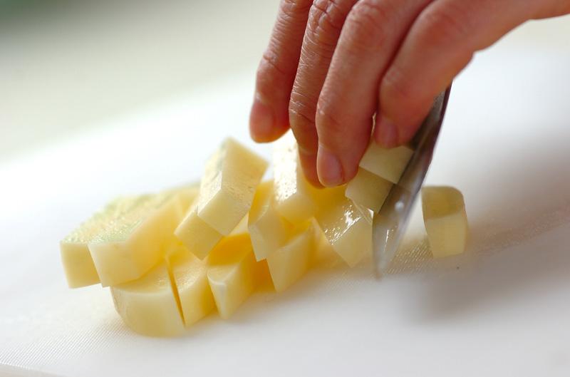 ジャガイモのユズポン炒めの下準備1