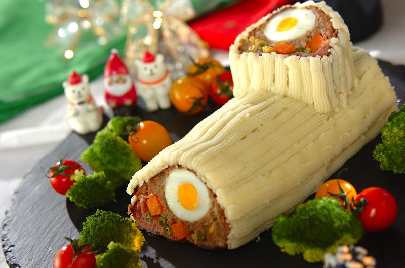 クリスマスのブッシュドノエル風ミートローフ