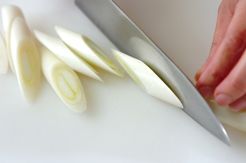 ネギとイカの甘辛炒めの作り方の手順2