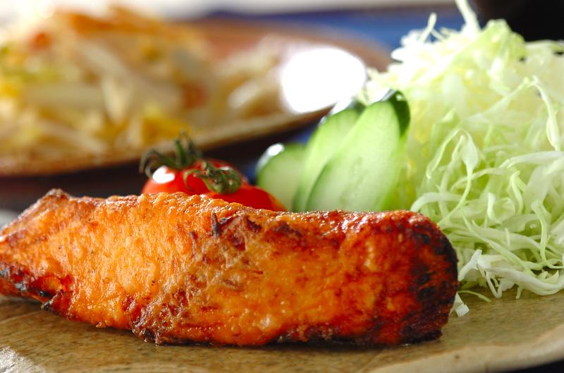 漬け鮭の唐揚げの作り方の手順