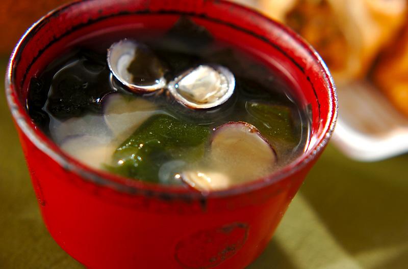 シジミとワカメのみそ汁