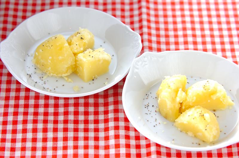 ニンニク風味の粉ふきイモ
