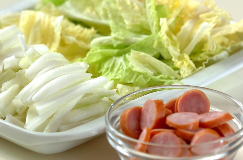 白菜のチーズ炒めの下準備1
