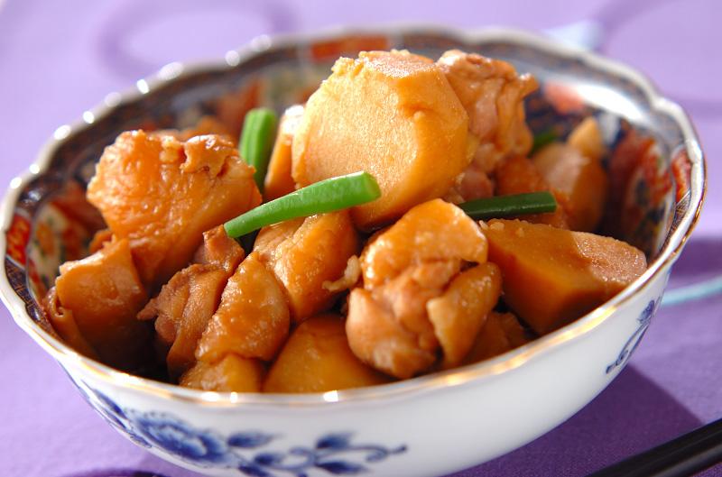 里芋と鶏肉のシンプル煮【E・レシピ】料理のプロが作る簡単レシピ/2010.11.17公開のレシピです。