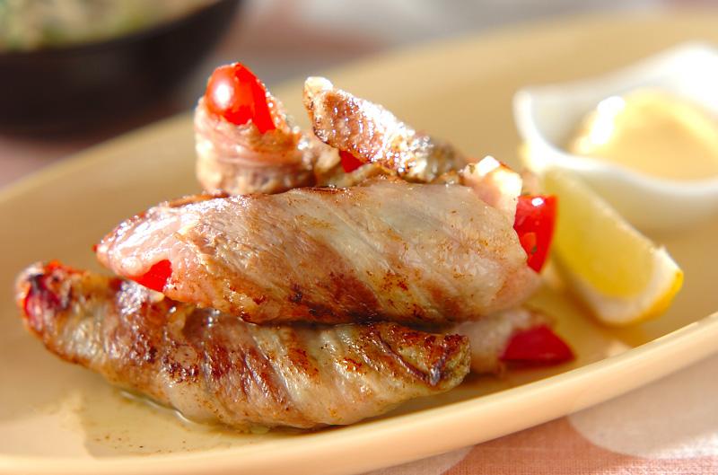 豚バラのパプリカ巻きバジル風味