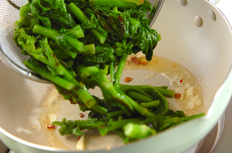 菜の花のニンニク炒めの作り方3