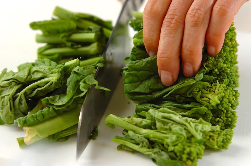菜の花のニンニク炒めの下準備1