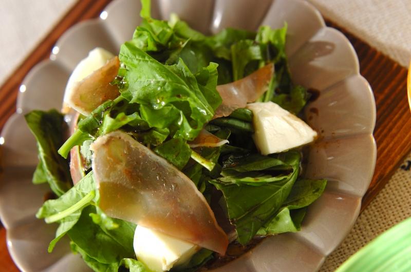 生ハムとルッコラのサラダの作り方の手順