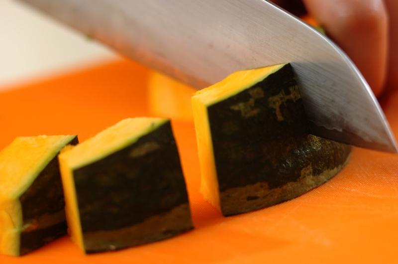 カボチャと枝豆の煮ものの作り方の手順1