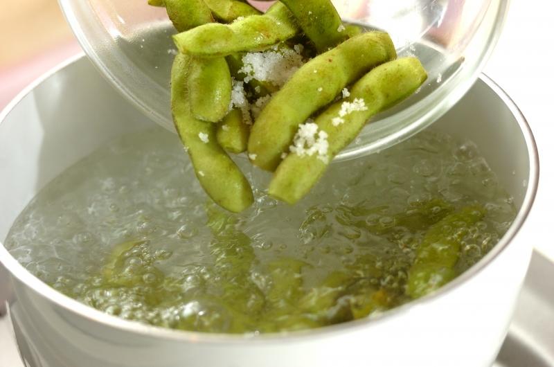 カボチャと枝豆の煮ものの作り方の手順2
