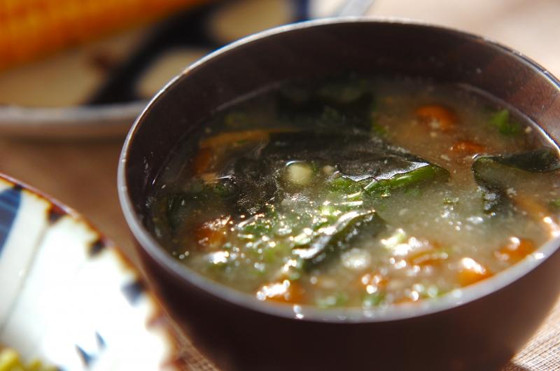 ナメコとおろし長芋のみそ汁の作り方の手順
