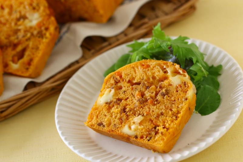 ホットケーキミックスで作るボロネーゼとチーズのケークサレ