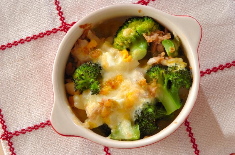 ブロッコリーと卵のチーズ焼き