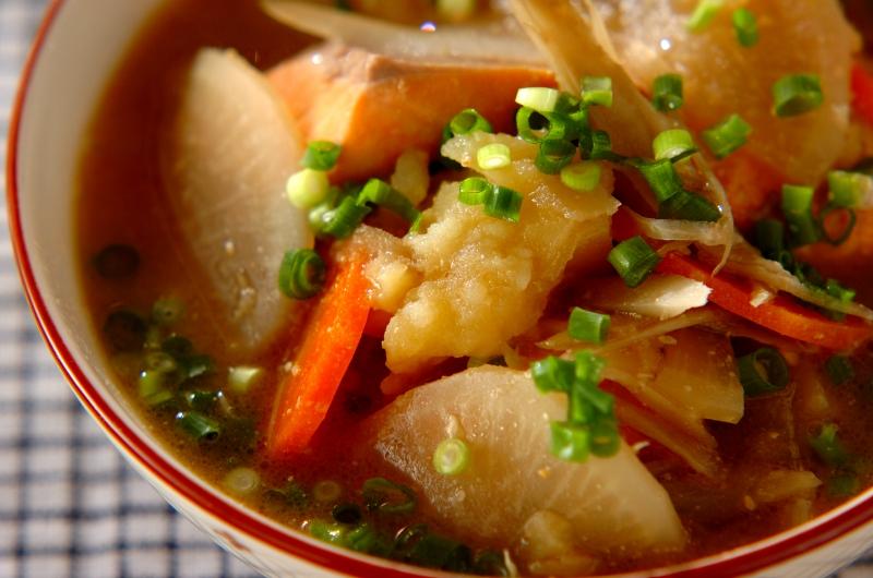 北海道の味!鮭と野菜の具だくさん石狩汁
