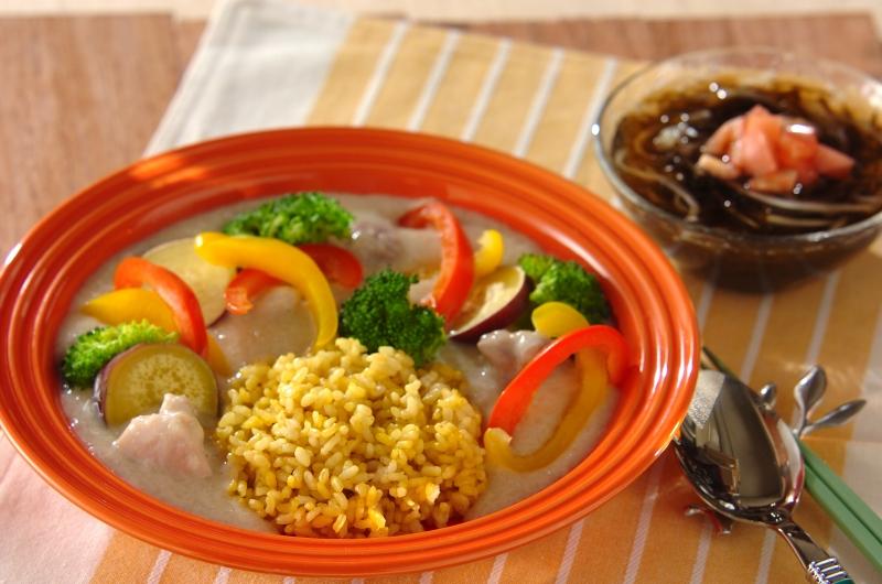 長芋と豆乳のシチュー 玄米ターメリックピラフ添えの献立
