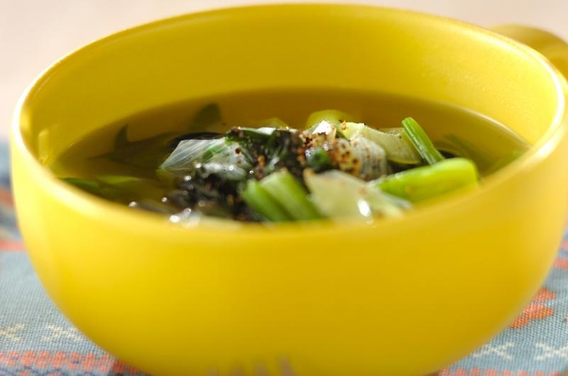 ネギとホウレン草のスープ