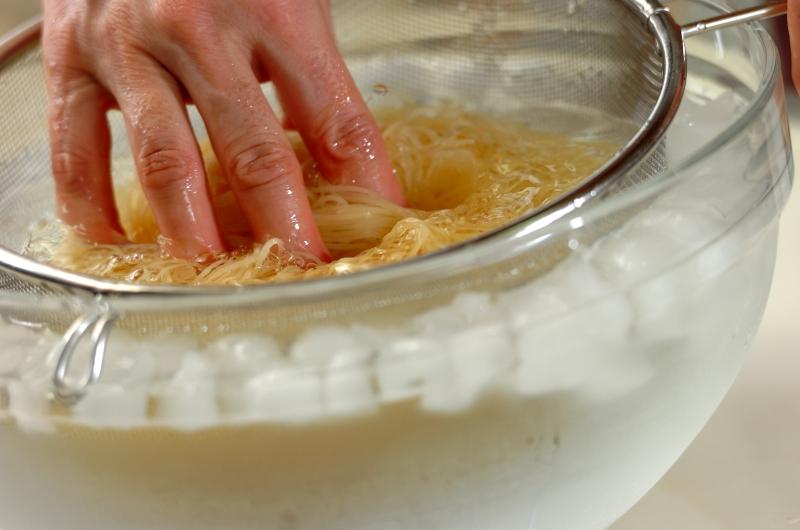 カニ缶で作る冷製パスタの作り方の手順4