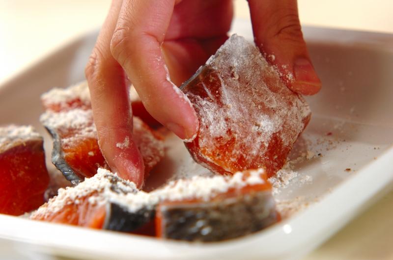 鮭とブロッコリーのクリームシチューの作り方の手順2