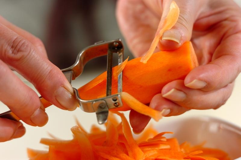ササガキニンジンとチーズのサラダの作り方の手順1