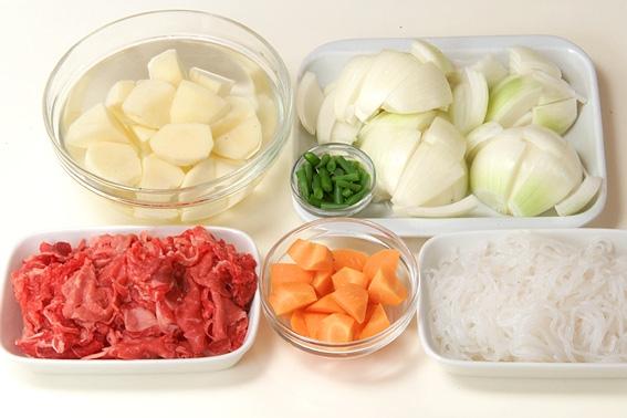 あっさり肉じゃがの作り方の手順1
