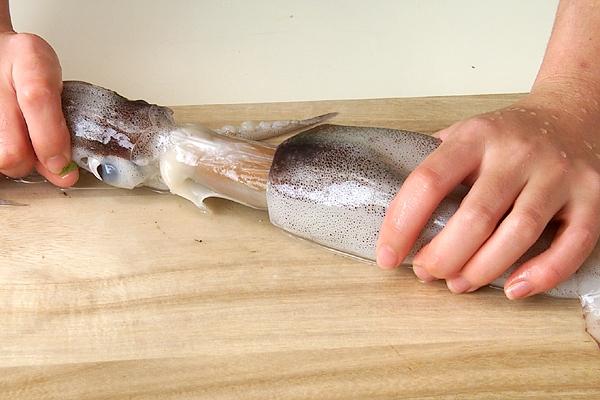 イカのフリッターの作り方の手順1
