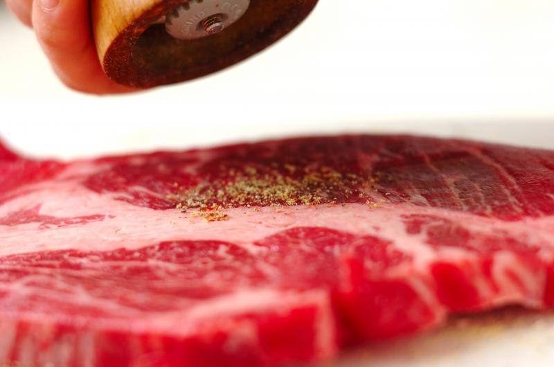 牛肉とパプリカのしょうゆ炒めの作り方の手順1
