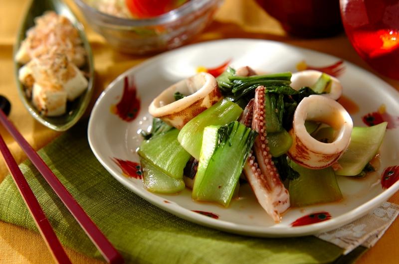 イカとチンゲン菜の塩麹炒め