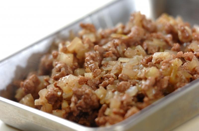 ひき肉クリームソースのフェットチーネの作り方の手順2