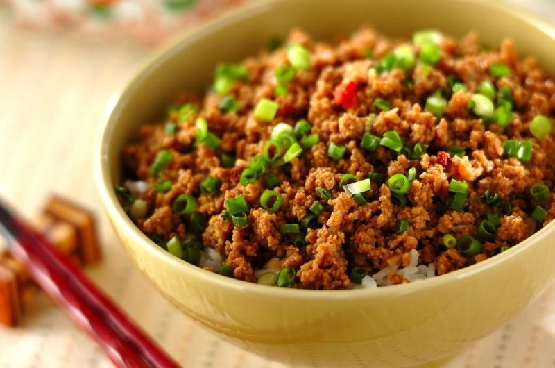 中華そぼろ丼の作り方の手順