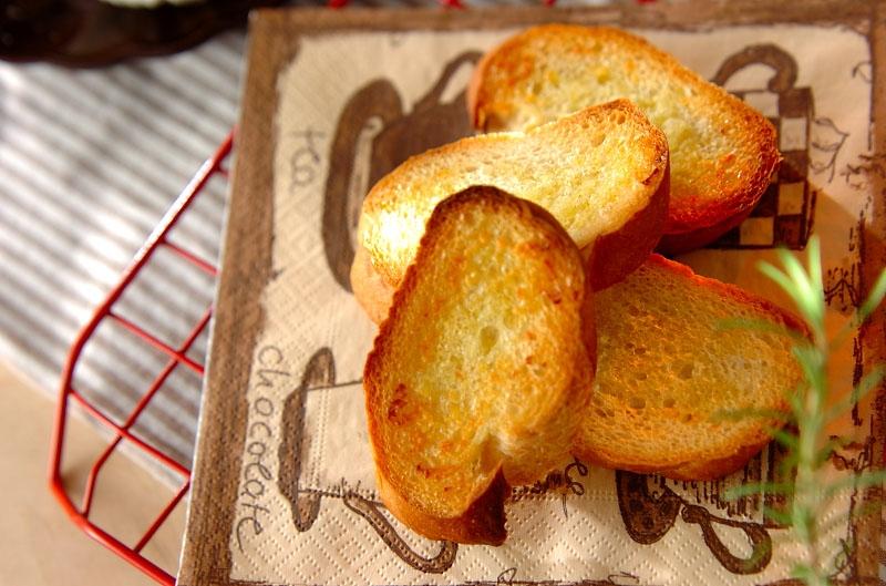 ガーリックトーストの作り方の手順