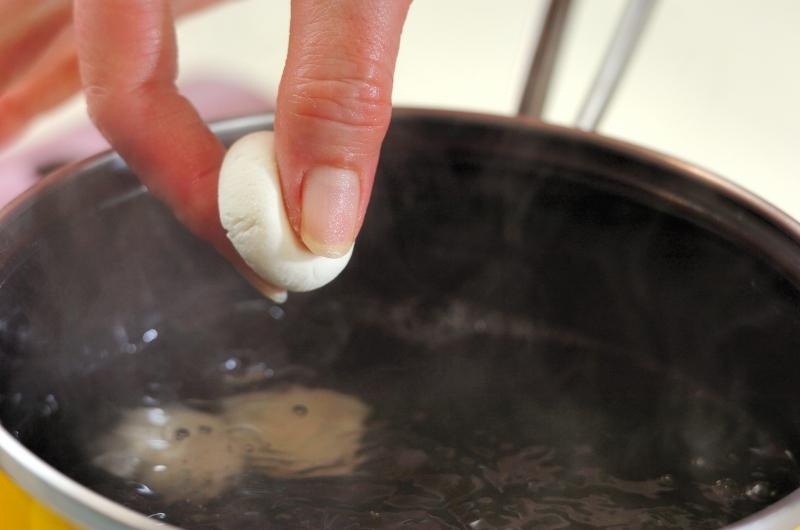 イチゴ甘酒汁粉の作り方の手順2