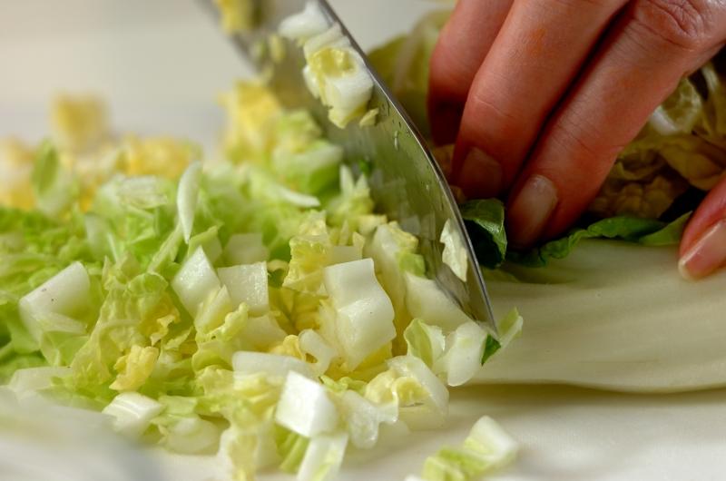 白菜とブロッコリーのクリームスープの作り方の手順1