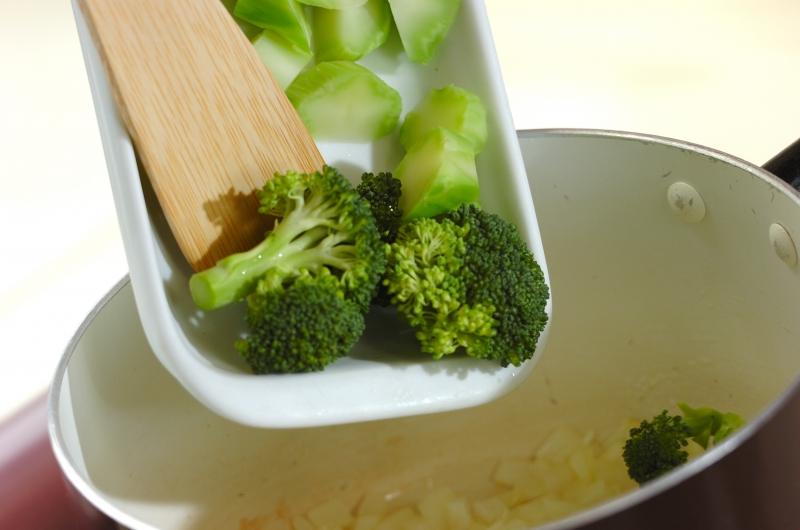 白菜とブロッコリーのクリームスープの作り方の手順3