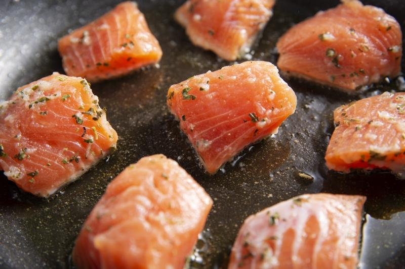鮭のハーブマリネ焼きの作り方の手順4