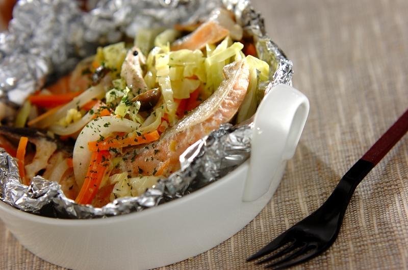 鮭と春野菜の大人なホイル焼き