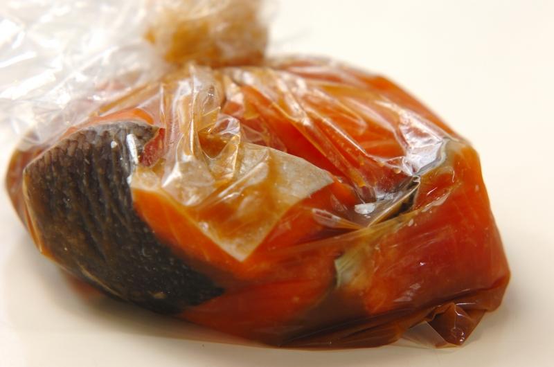 鮭の竜田揚げの作り方の手順1