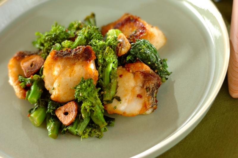 鯛のマスタード焼き菜の花添え