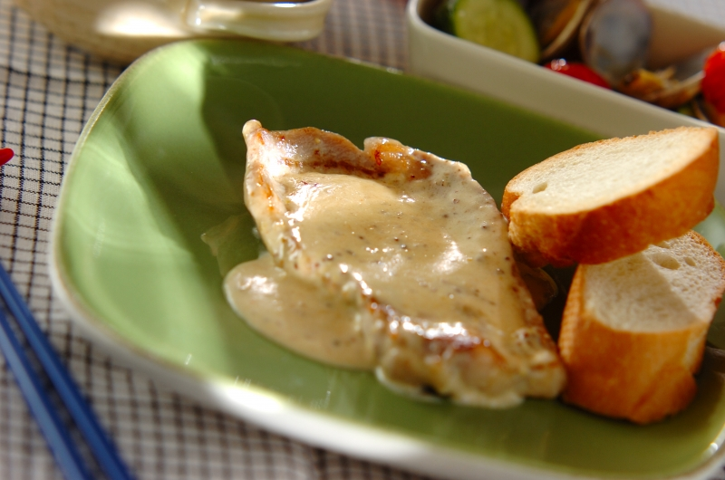 豚肉のクリームソース