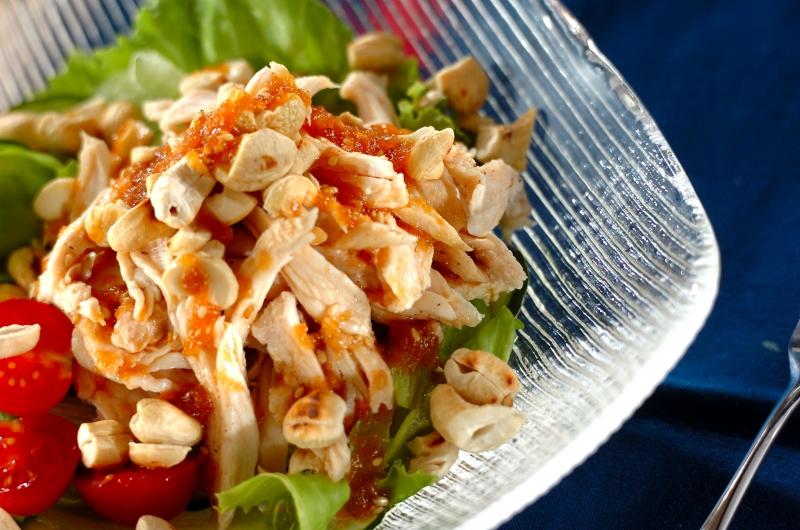 作り置き!焼肉のタレで鶏肉とナッツのサラダの作り方の手順