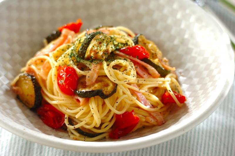ズッキーニとベーコンのスパゲティー