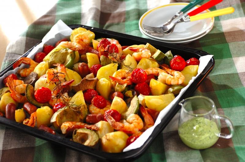 エビとアボカドのぎゅうぎゅう焼き【E・レシピ】料理のプロが作る簡単レシピ/2015.11.02公開のレシピです。