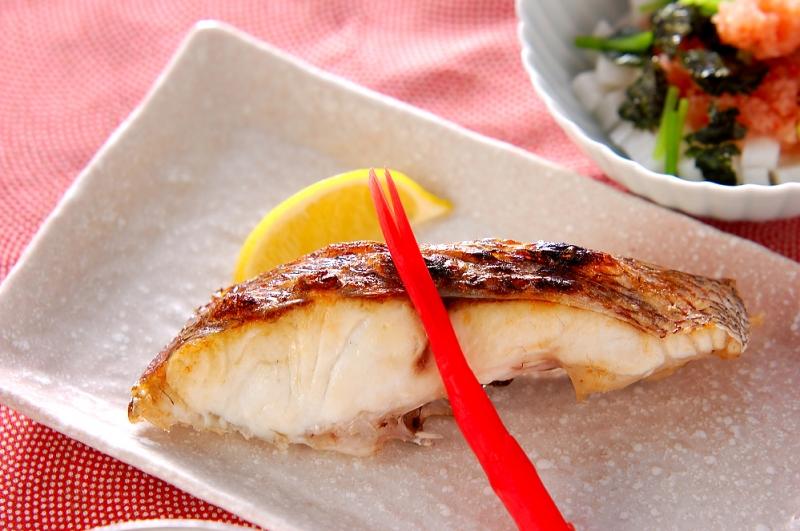 鯛の塩焼き【E・レシピ】料理のプロが作る簡単レシピ