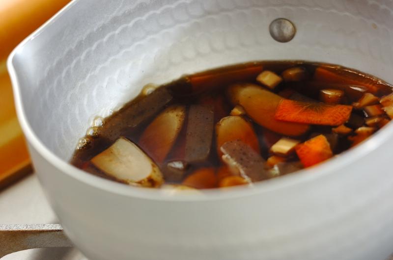 ゴボウとコンニャクの混ぜご飯の作り方の手順5