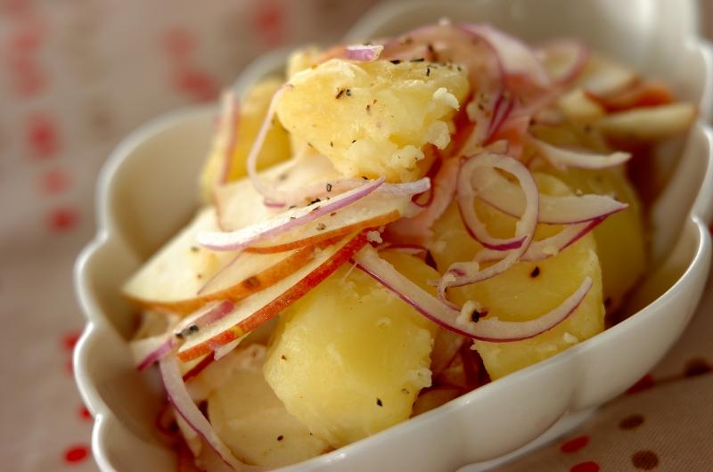 リンゴたっぷりポテトサラダ