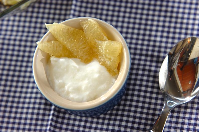 グレープフルーツのメープルマリネヨーグルト