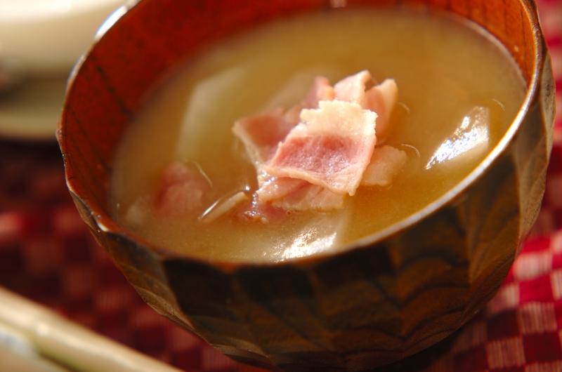 ベーコンとカブのみそ汁の作り方の手順